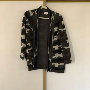Sweaters - Open front camo print cardigan